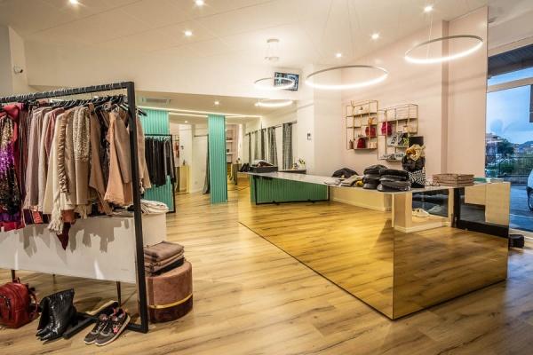 VANITY RED Abbigliamento Ellera di Corciano (PG)